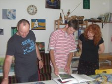 A.Mattern, P.Hanke und S.Haun im Atelier von Patrick Hanke
