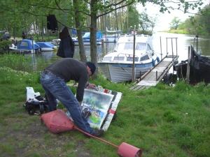 Andreas Mattern beim Malen auf Usedom