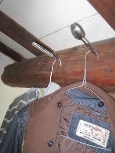 Abenteuerlicher Kleiderschrank in meinem Zimmer