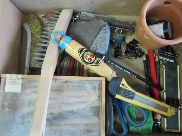 Unser Werkzeug haben wir in Schubladen.