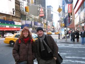 Meine Kollegin Susanne uns ich auf dem Weg zu unserer Ausstellung ins Deutsche Konsulat