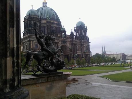 Der Berliner Dom vom Alten Museum her