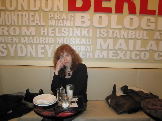 Ich mag diese Kaffeehausstimmung und bitte Andreas ein Foto zu machen - Foto von Andreas Mattern