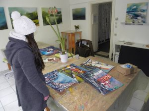 Maria und ihre Aquarellergebnisse-Atelier Andreas Mattern 2013